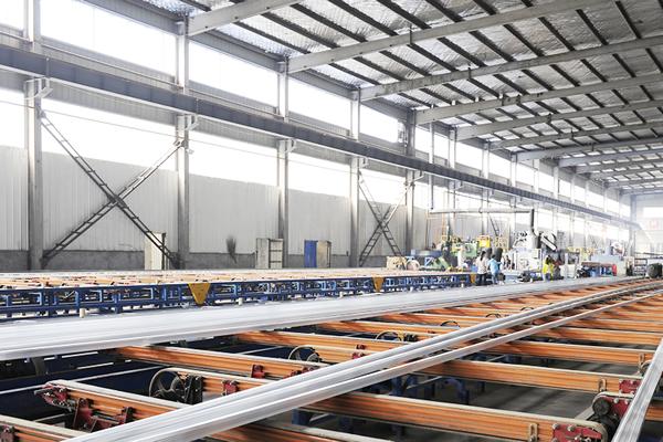 郑州泰和铝材厂生产线
