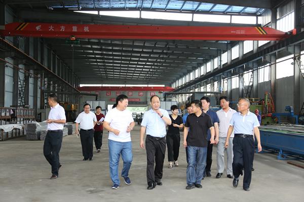 新密市副市长齐智慧来郑州泰和铝材检查工作